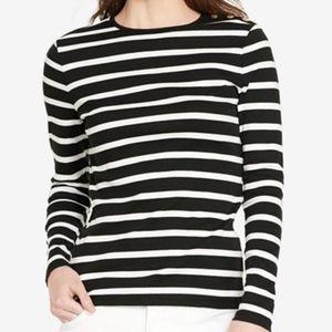 Energie shirt black and white sz XL 3/$15 🌺